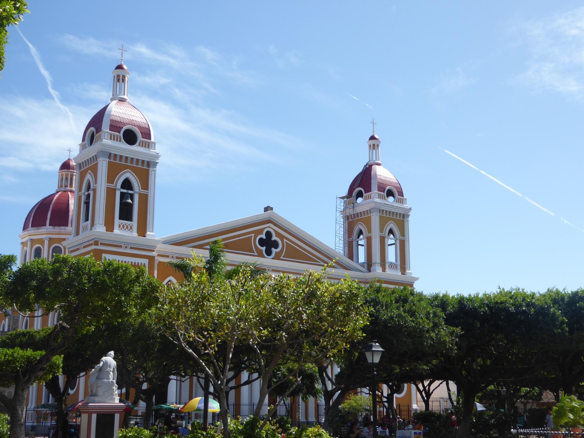 granada nicaragua church cathedral