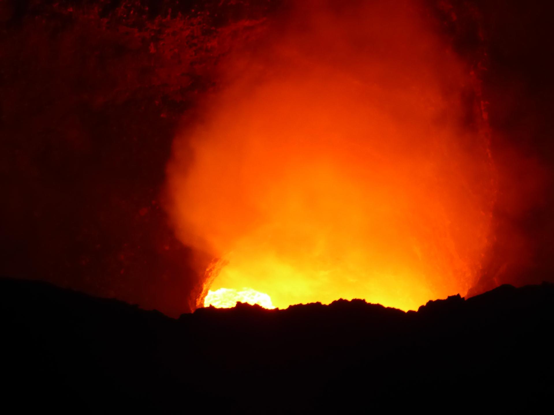 masaya volcano lava nicaragua night tour